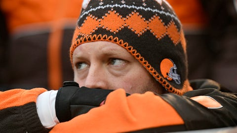 Browns fall to the Ravens, 27-10, as 0-16 looms closer