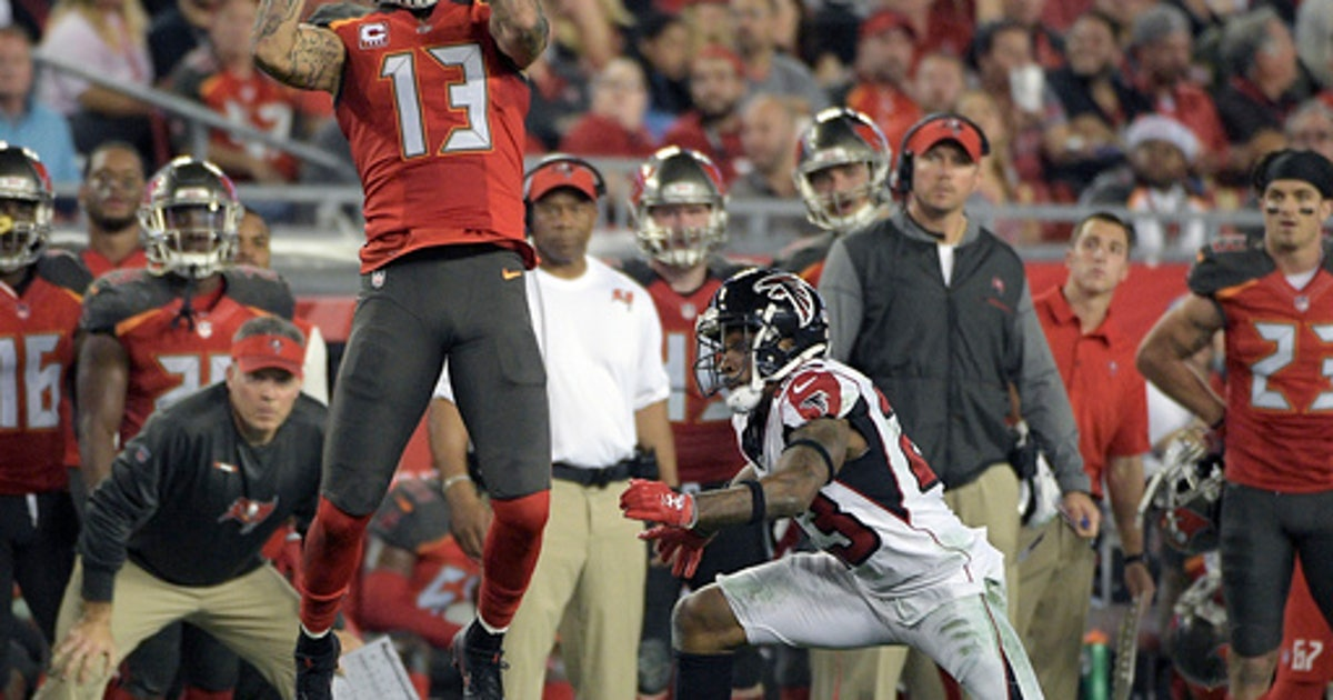 Falcons stay close in NFC South, beat Buccaneers 24-21