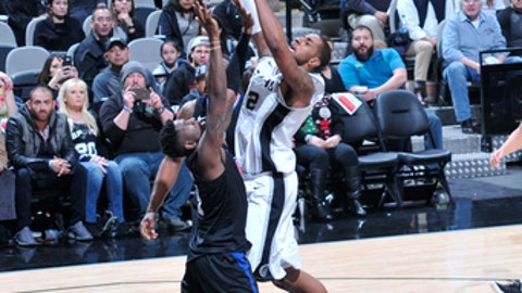 SAN ANTONIO, TX - DECEMBER 18: LaMarcus Aldridge #12 of the San Antonio Spurs shoots the ball against the LA Clippers on December 18, 2017 at the AT&T Center in San Antonio, Texas. NOTE TO USER: User expressly acknowledges and agrees that, by downloading and or using this photograph, user is consenting to the terms and conditions of the Getty Images License Agreement. Mandatory Copyright Notice: Copyright 2017 NBAE (Photos by Mark Sobhani/NBAE via Getty Images)
