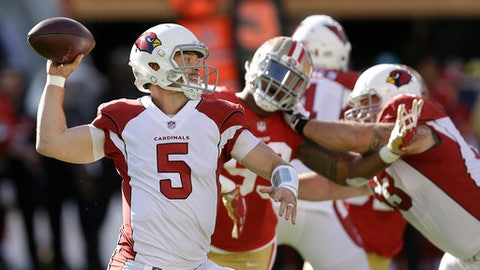 FILE - In this Nov. 5, 2017, file photo, Arizona Cardinals quarterback Drew Stanton throws a pass during the first half of an NFL football game against the San Francisco 49ers in Santa Clara, Calif. Stanton is back at the controls of the sputtering Cardinals offense, taking over for a team on the home stretch of a disappointing season. (AP Photo/Ben Margot, File)