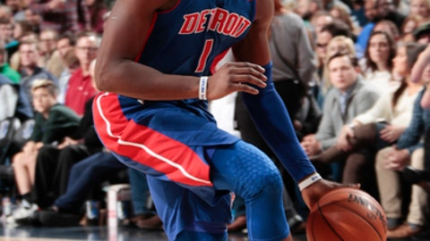 DALLAS, TX - DECEMBER 20: Reggie Jackson #1 of the Detroit Pistons handles the ball against the Dallas Mavericks on December 20, 2017 at the American Airlines Center in Dallas, Texas. NOTE TO USER: User expressly acknowledges and agrees that, by downloading and or using this photograph, User is consenting to the terms and conditions of the Getty Images License Agreement. Mandatory Copyright Notice: Copyright 2017 NBAE (Photo by Glenn James/NBAE via Getty Images)
