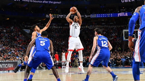 PHILADELPHIA,PA - DECEMBER 21 : DeMar DeRozan #10 of the Toronto Raptors shoots the ball against the Philadelphia 76ers at Wells Fargo Center on December 21, 2017 in Philadelphia, Pennsylvania NOTE TO USER: User expressly acknowledges and agrees that, by downloading and/or using this Photograph, user is consenting to the terms and conditions of the Getty Images License Agreement. Mandatory Copyright Notice: Copyright 2017 NBAE (Photo by Jesse D. Garrabrant/NBAE via Getty Images)