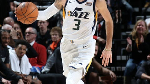 SALT LAKE CITY, UT - DECEMBER 21:  Ricky Rubio #3 of the Utah Jazz handles the ball against the San Antonio Spurs on DECEMBER 21, 2017 at vivint.SmartHome Arena in Salt Lake City, Utah. NOTE TO USER: User expressly acknowledges and agrees that, by downloading and or using this Photograph, User is consenting to the terms and conditions of the Getty Images License Agreement. Mandatory Copyright Notice: Copyright 2017 NBAE (Photo by Melissa Majchrzak/NBAE via Getty Images)
