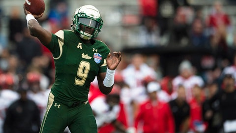 South Florida quarterback Quinton Flowers (9) throws a pass against Texas Tech during the first half the Birmingham Bowl NCAA college football game, Saturday, Dec. 23, 2017 in Birmingham, Ala. (AP Photo/Albert Cesare)