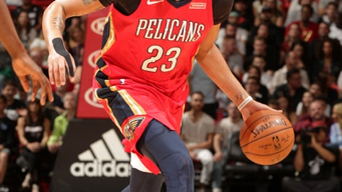 MIAMI, FL - DECEMBER 23: Anthony Davis #23 of the New Orleans Pelicans handles the ball against the Miami Heat on December 23, 2017 at American Airlines Arena in Miami, Florida. NOTE TO USER: User expressly acknowledges and agrees that, by downloading and/or using this photograph, user is consenting to the terms and conditions of the Getty Images License Agreement. Mandatory Copyright Notice: Copyright 2017 NBAE (Photo by Oscar Baldizon/NBAE via Getty Images)