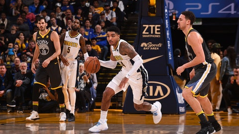 OAKLAND, CA - DECEMBER 23:  Gary Harris #14 of the Denver Nuggets handles the ball against the Golden State Warriors on December 23, 2017 at ORACLE Arena in Oakland, California. NOTE TO USER: User expressly acknowledges and agrees that, by downloading and or using this photograph, user is consenting to the terms and conditions of Getty Images License Agreement. Mandatory Copyright Notice: Copyright 2017 NBAE (Photo by Noah Graham/NBAE via Getty Images)
