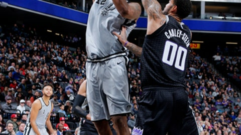 SACRAMENTO, CA - DECEMBER 23: LaMarcus Aldridge #12 of the San Antonio Spurs shoots the ball during the game against the Sacramento Kings on December 23, 2017 at Golden 1 Center in Sacramento, California. NOTE TO USER: User expressly acknowledges and agrees that, by downloading and or using this Photograph, user is consenting to the terms and conditions of the Getty Images License Agreement. Mandatory Copyright Notice: Copyright 2017 NBAE (Photo by Rocky Widner/NBAE via Getty Images)