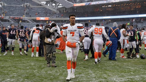 Cleveland Browns quarterback DeShone Kizer (7) walks off the field after losing to the Chicago Bears 20-3 in an NFL football game in Chicago, Sunday, Dec. 24, 2017. (AP Photo/Nam Y. Huh)