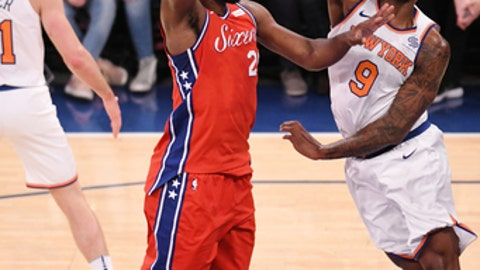 NEW YORK, NY - DECEMBER 25: Joel Embiid #21 of the Philadelphia 76ers shoots the ball against the New York Knicks on December 25, 2017 at Madison Square Garden in New York City, New York. NOTE TO USER: User expressly acknowledges and agrees that, by downloading and/or using this photograph, user is consenting to the terms and conditions of the Getty Images License Agreement. Mandatory Copyright Notice: Copyright 2017 NBAE (Photo by Matteo Marchi/NBAE via Getty Images)