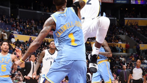 LOS ANGELES, CA - DECEMBER 27: Tyreke Evans #12 of the Memphis Grizzlies shoots the ball during the game against the Los Angeles Lakers on December 27, 2017 at STAPLES Center in Los Angeles, California. NOTE TO USER: User expressly acknowledges and agrees that, by downloading and/or using this Photograph, user is consenting to the terms and conditions of the Getty Images License Agreement. Mandatory Copyright Notice: Copyright 2017 NBAE (Photo by Andrew D. Bernstein/NBAE via Getty Images)