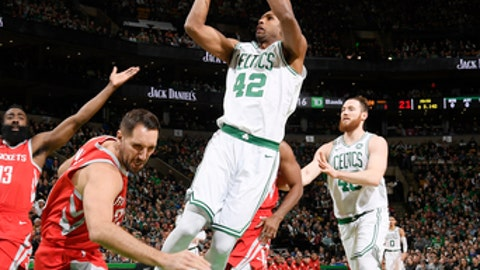 BOSTON, MA - DECEMBER 28:   Al Horford #42 of the Boston Celtics shoots the ball against the Houston Rockets on December 28, 2017 at the TD Garden in Boston, Massachusetts.  NOTE TO USER: User expressly acknowledges and agrees that, by downloading and or using this photograph, User is consenting to the terms and conditions of the Getty Images License Agreement. Mandatory Copyright Notice: Copyright 2017 NBAE  (Photo by Brian Babineau/NBAE via Getty Images)