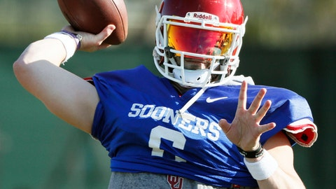 Oklahoma quarterback Baker Mayfield participates in drills during a short segment of practice that was open to the media Friday, Dec. 29, 2017, in Carson, Calif. Oklahoma plays Georgia in a semifinal of the College Football Playoff on New Year's Day. (Bob Andres/Atlanta Journal-Constitution via AP)