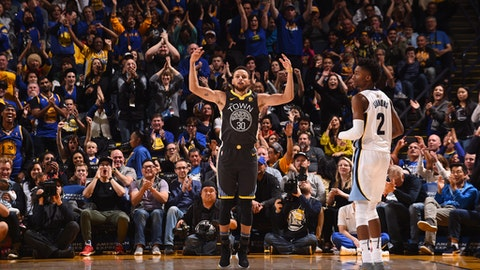 OAKLAND, CA - DECEMBER 30:  Stephen Curry #30 of the Golden State Warriors reacts during the game against the Memphis Grizzlies on December 30, 2017 at ORACLE Arena in Oakland, California. NOTE TO USER: User expressly acknowledges and agrees that, by downloading and or using this photograph, user is consenting to the terms and conditions of Getty Images License Agreement. Mandatory Copyright Notice: Copyright 2017 NBAE (Photo by Noah Graham/NBAE via Getty Images)