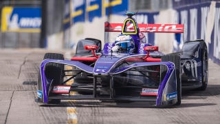 Sam Bird wins the first race at the Hong Kong ePrix despite penalty | 2017-18 FORMULA E