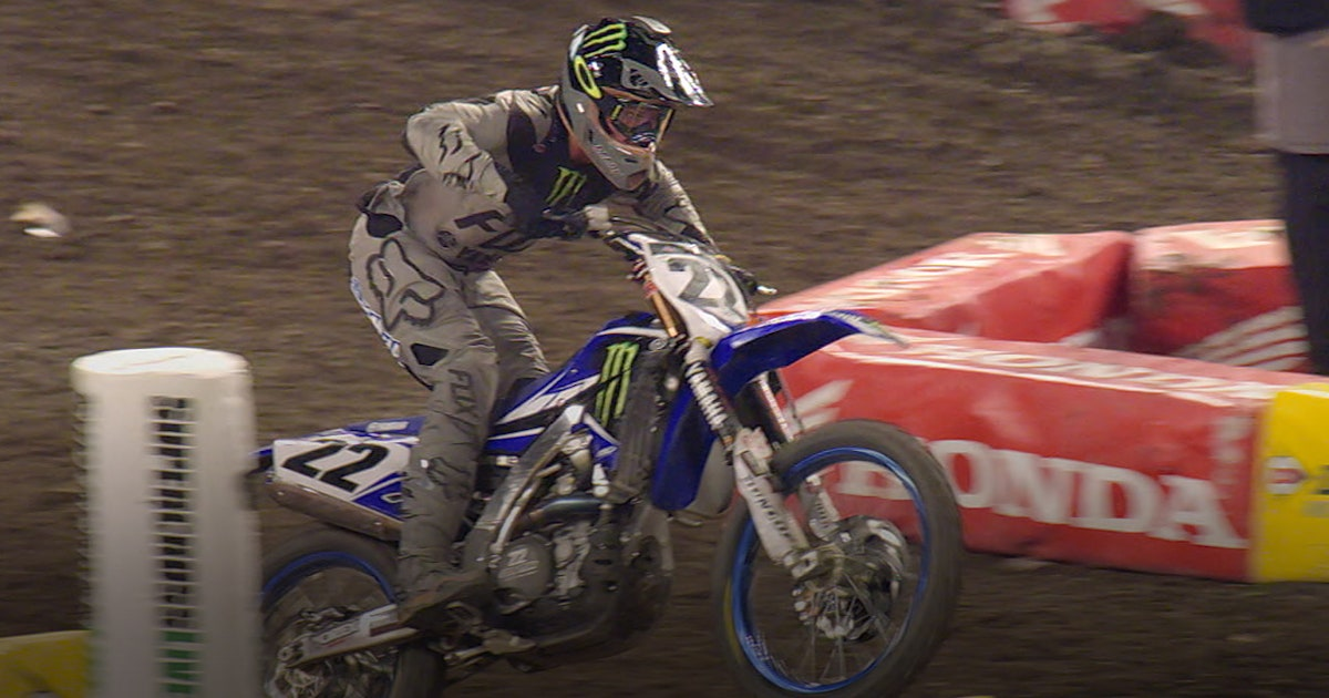 Supercross 2017 Top 5 Countdown 5 Chad Reed Dazzles Phoenix Crowd
