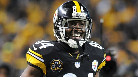 Dec 10, 2017; Pittsburgh, PA, USA; Pittsburgh Steelers wide receiver Antonio Brown (84) celebrates after catching a pass for a first down in the fourth quarter at Heinz Field. The play set up a Steelers touchdown as they went on to win 39-38.    Mandatory Credit: Philip G. Pavely-USA TODAY Sports