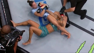 Montana De La Rosa submits Christina Marks | HIGHLIGHTS | THE ULTIMATE FIGHTER