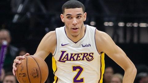 Nov 22, 2017; Sacramento, CA, USA; Los Angeles Lakers guard Lonzo Ball (2) during the game against the Sacramento Kings at Golden 1 Center. Mandatory Credit: Sergio Estrada-USA TODAY Sports