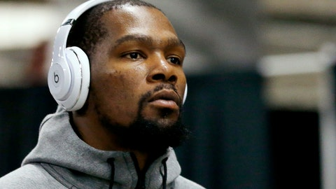 Golden State Warriors forward Kevin Durant arrives for the team's NBA basketball game against the Miami Heat, Sunday, Dec. 3, 2017, in Miami. (AP Photo/Joe Skipper)
