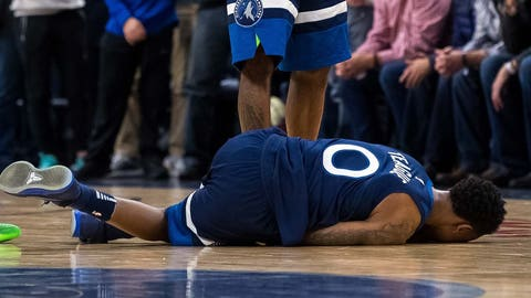 Wolves Teague Out With Sprained Knee