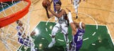 Antetokounmpo, Bucks clinch third straight win