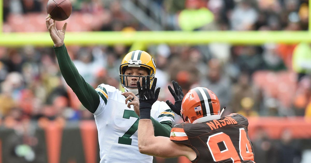 Packers Snap Counts: Hundley surpasses Rodgers in snaps in 2017