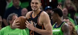 In debut Canaan helps Suns rally to beat T-Wolves