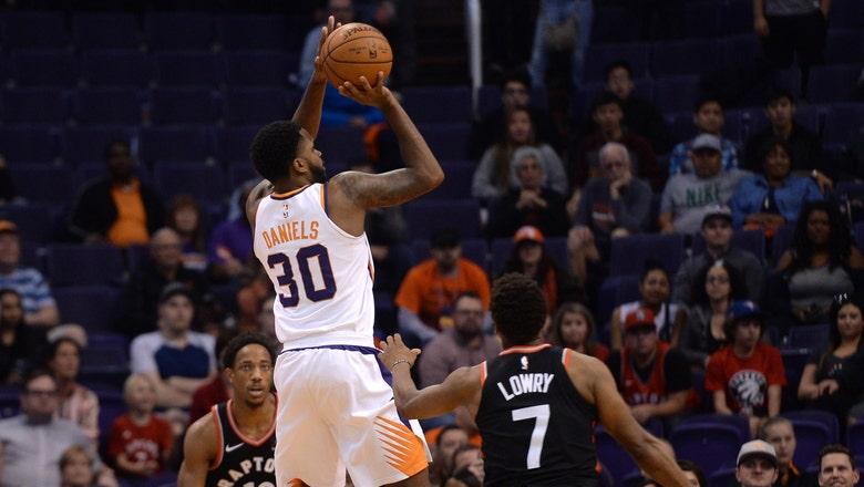 Suns compete until end vs. Raptors but drop fifth straight