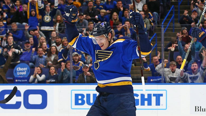 Jaskin, Blues agree to one-year, $1.1 million deal