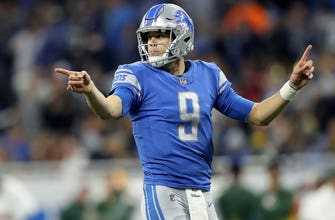 Matthew Stafford launches ball into crowd after catching, not throwing, a 2-point conversion