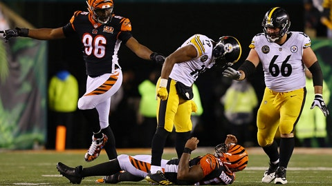 Dec 4, 2017; Cincinnati, OH, USA; Pittsburgh Steelers wide receiver JuJu Smith-Schuster (19) is called for an unsportsmanlike penalty after a hit against Cincinnati Bengals outside linebacker Vontaze Burfict (55) in the second half at Paul Brown Stadium. Mandatory Credit: Aaron Doster-USA TODAY Sports
