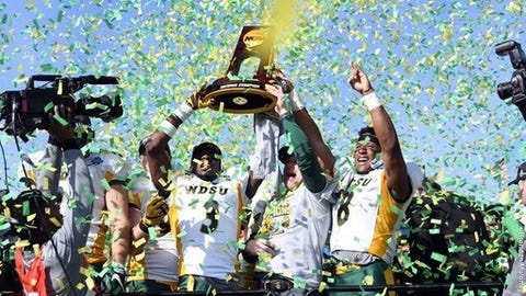 In epic FCS title game, Bison edge James Madison to regain throne