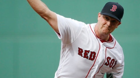 Boston Red Sox's Steven Wright pitches during the first inning of a baseball game against the Chicago Cubs in Boston, Saturday, April 29, 2017. (AP Photo/Michael Dwyer)
