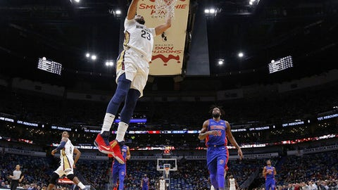 NEW ORLEANS, LA - JANUARY 08: Anthony Davis #23 of the New Orleans Pelicans dunks past Reggie Bullock #25 of the Detroit Pistons during the first half at the Smoothie King Center on January 8, 2018 in New Orleans, Louisiana. NOTE TO USER: User expressly acknowledges and agrees that, by downloading and or using this Photograph, user is consenting to the terms and conditions of the Getty Images License Agreement.  (Photo by Jonathan Bachman/Getty Images)