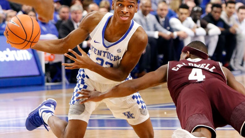 No. 21 Kentucky rallies late, holds off Texas A&M 74-73