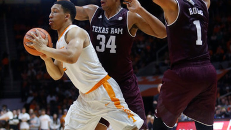 No. 24 Vols win 75-62 to hand Texas A&M 5th straight loss