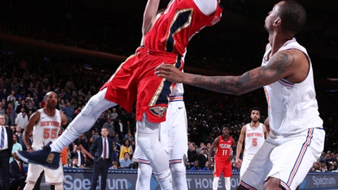NEW YORK, NY - JANUARY 14:  Anthony Davis #23 of the New Orleans Pelicans goes to the basket to tie the game against the New York Knicks on January 14, 2018 at Madison Square Garden in New York City, New York.  NOTE TO USER: User expressly acknowledges and agrees that, by downloading and or using this photograph, User is consenting to the terms and conditions of the Getty Images License Agreement. Mandatory Copyright Notice: Copyright 2018 NBAE  (Photo by Nathaniel S. Butler/NBAE via Getty Images)