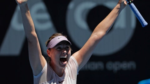 Garbine Mugurza upset in straight sets; Maria Sharapova moves on