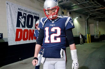 Patriots' Brady throwing without glove before AFC title game