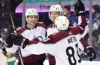 Avalanche beat Maple Leafs 4-2 for 10th straight win (Jan 22, 2018)