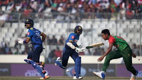 Sri Lanka bowled out for 221 against Bangladesh
