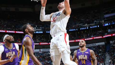 NEW ORLEANS, LA - JANUARY 28:  Blake Griffin #32 of the LA Clippers dunks against the New Orleans Pelicans on January 28, 2018 at Smoothie King Center in New Orleans, Louisiana. NOTE TO USER: User expressly acknowledges and agrees that, by downloading and or using this Photograph, user is consenting to the terms and conditions of the Getty Images License Agreement. Mandatory Copyright Notice: Copyright 2018 NBAE (Photo by Layne Murdoch/NBAE via Getty Images)