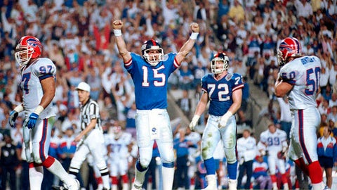 FILE - In this Jan. 27, 1991, file photo, New York Giants quarterback Jeff Hostetler celebrates a second-quarter touchdown against the Buffalo Bills during NFL football's Super Bowl XXV in Tampa, Fla. Hostetler is one of 13 quarterbacks to start in a Super Bowl after not starting the regular season opener for his team. (AP Photo/File)
