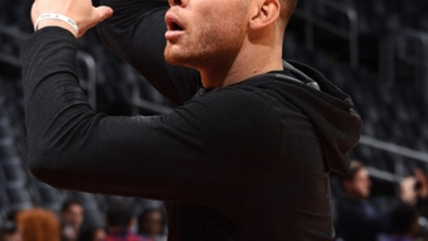 LOS ANGELES, CA - JANUARY 24:  Blake Griffin #32 of the LA Clippers handles the ball before the game against the Boston Celtics on January 24, 2018 at STAPLES Center in Los Angeles, California. NOTE TO USER: User expressly acknowledges and agrees that, by downloading and/or using this Photograph, user is consenting to the terms and conditions of the Getty Images License Agreement. Mandatory Copyright Notice: Copyright 2018 NBAE (Photo by Andrew D. Bernstein/NBAE via Getty Images)