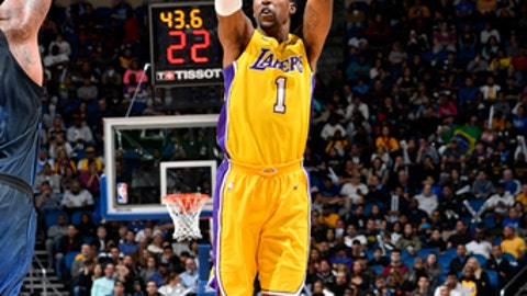 ORLANDO, FL - JANUARY 31: Kentavious Caldwell-Pope #1 of the Los Angeles Lakers shoots the ball against the Orlando Magic on January 31, 2018 at Amway Center in Orlando, Florida. NOTE TO USER: User expressly acknowledges and agrees that, by downloading and or using this photograph, User is consenting to the terms and conditions of the Getty Images License Agreement. Mandatory Copyright Notice: Copyright 2018 NBAE (Photo by Fernando Medina/NBAE via Getty Images)