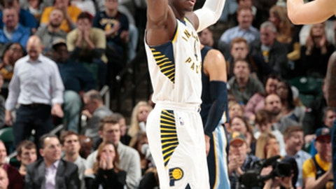 INDIANAPOLIS, IN - JANUARY 31:  Victor Oladipo #4 of the Indiana Pacers celebrates a win against the Memphis Grizzlies on January 31, 2018 at Bankers Life Fieldhouse in Indianapolis, Indiana. NOTE TO USER: User expressly acknowledges and agrees that, by downloading and or using this Photograph, user is consenting to the terms and conditions of the Getty Images License Agreement. Mandatory Copyright Notice: Copyright 2018 NBAE (Photo by Ron Hoskins/NBAE via Getty Images)