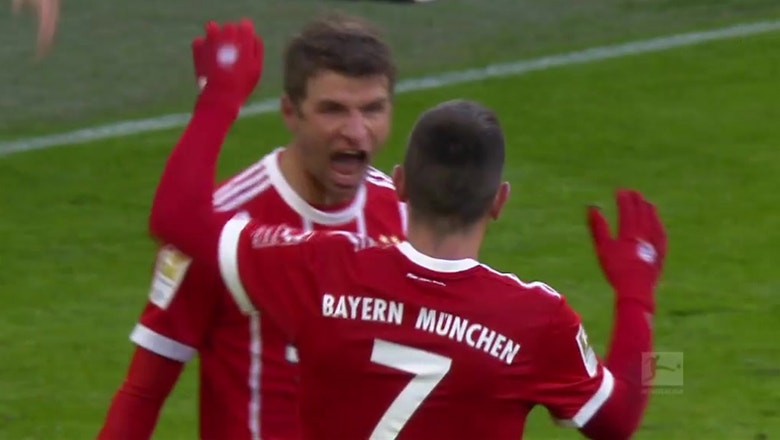 Thomas Muller scores a brilliant solo goal for Bayern Munich | 2017-18 Bundesliga Highlights
