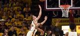 Oregon uses late spurt to upset No. 11 Sun Devils