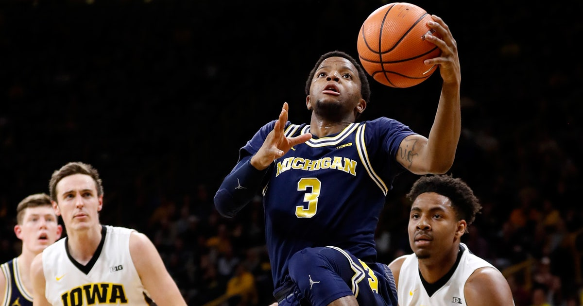 Michigan extends winning streak to six with 75-68 win at Iowa