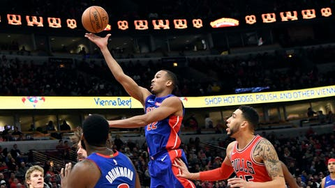 Pistons dump Cavs, who lose Love (hand)